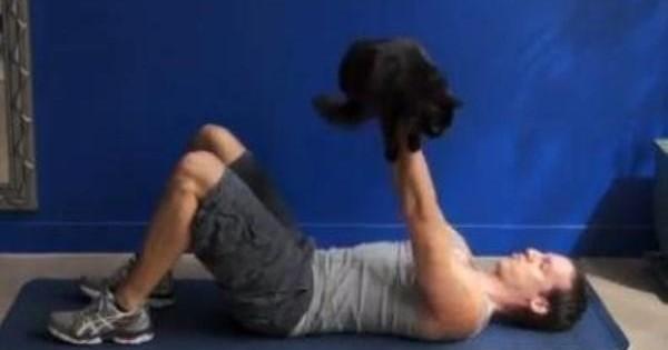 Πώς να γυμναστείτε με τη γάτα σας (video)