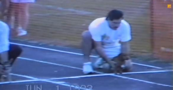 Το απίστευτο περιστατικό που έγινε σε αγώνα δρόμου για σκύλους! (βίντεο)
