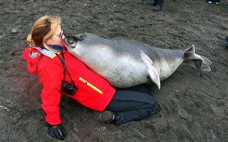 Βρέφος… 90 κιλών θέλει αγκαλιά (Εικόνες, Βίντεο)