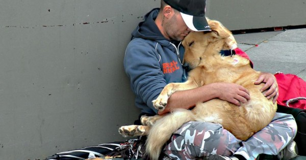 Οταν ο σκύλος είναι ο μόνος φίλος του ανθρώπου (photos)