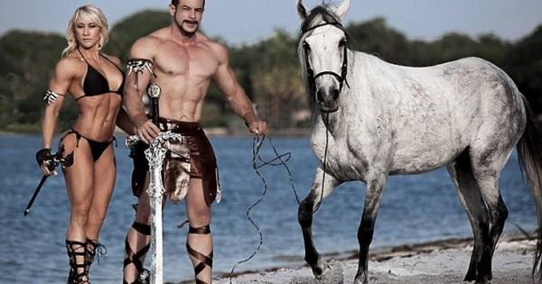 Οι λαμπεροί bodybuilders που άφησαν τα άλογά τους να λιμοκτονούν (Εικόνες)