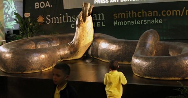 10 τρομακτικά προϊστορικά τέρατα που κάνουν τον Τυραννόσαυρο Rex να φαντάζει φιλικός (Βίντεο)