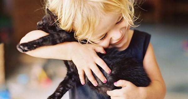 50 φωτογραφίες που αποδεικνύουν ότι κάθε παιδί χρειάζεται ένα κατοικίδιο. (Εικόνες)