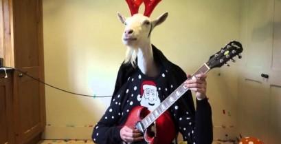 """Το """"Ρούντολφ το ελαφάκι"""" σε πρωτότυπη ερμηνεία με κιθάρα (Βίντεο)"""