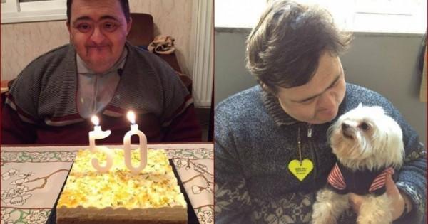 Ο Ηλίας πενθεί για το σκύλο του Ντάφυ που έφυγε σε ηλικία 18 ετών