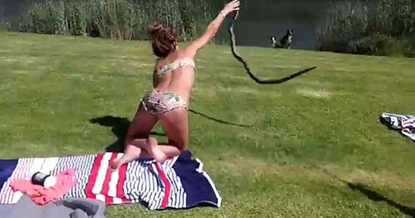 Είναι η απόκρουση αυτής της γυναικάς με γυμνά χέρια σε επίθεση κόμπρας αληθινή ή όχι; (Βίντεο)