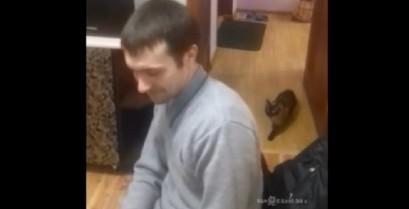 Όταν η γάτα σου προσπαθεί να σε δολοφονήσει (Βίντεο)