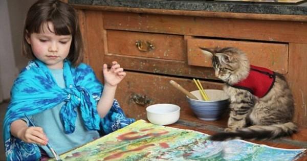 Βρετανία: Γάτα «βοηθάει» αυτιστικό κοριτσάκι να μιλήσει [βίντεο]