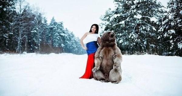 Το μοντέλο και η αρκούδα αλά η «Πεντάμορφη και το Τέρας» [φωτό]