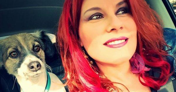 Πόθος: Ένας πρώην αδέσποτος σκυλάκος διδάσκει τώρα τα παιδιά να αγαπούν τα ζώα