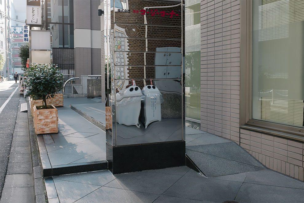 Ο Yota Oshida φωτογραφίζει τις πιο μοναχικές στιγμές του Τόκυο