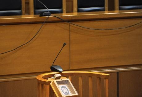 Πάτρα: Αναβλήθηκε Πάτρα η δίκη για τα νεκρά ζώα σε φάρμα δίκη για τα ζώα στη Πάτρα για δεύτερη φορά αναβλήθηκε η δίκη