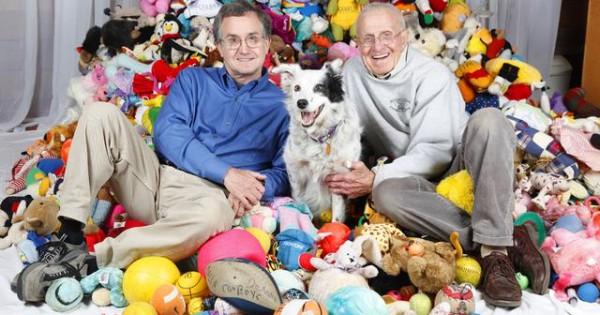 Γνωρίστε το σκύλο που γνωρίζει και τα 1022 παιχνίδια του με το… όνομα τους!