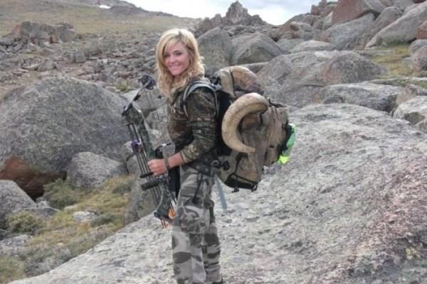 κυνηγός δολοφόνος γυναίκα άγρια ζώα Rebecca Francis