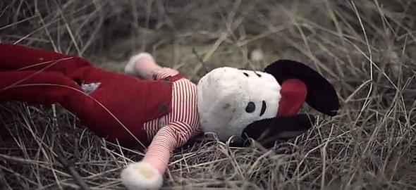 Θα εγκαταλείπατε ποτέ το παιδί σας; Δείτε το συγκινητικό βίντεο!