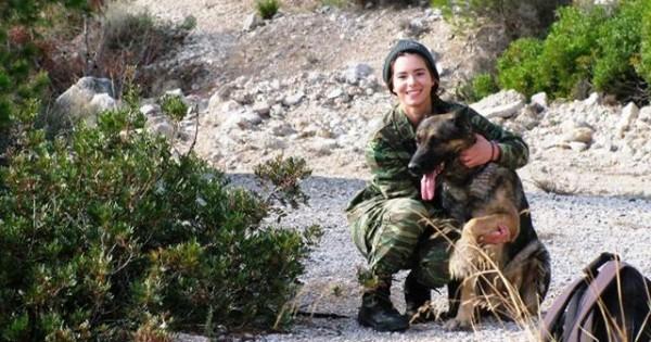 Ο γηραιότερος σκύλος του Ελληνικού Στρατού Ξηράς πήρε… σύνταξη (Εικόνες)