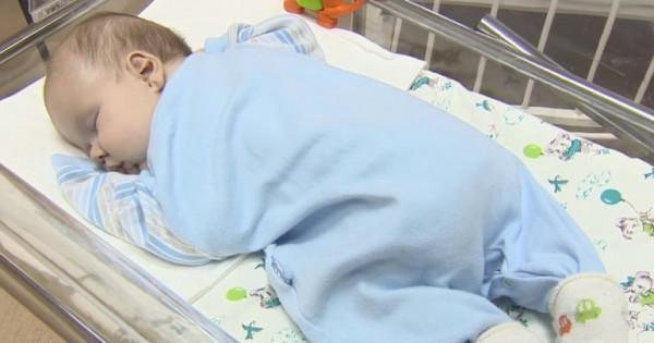 Το Κλάμα του Μωρού που Εγκαταλείφθηκε από τους Γονείς του, Προσέλκυσε ένα Πλάσμα τη Νύχτα. Δεν θα Πιστεύετε…