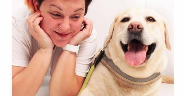 Κατήγγειλε τον οδηγό που της ζητούσε να κατέβει από το λεωφορείο με το σκύλο – οδηγό της