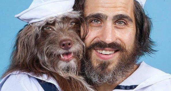 Σκύλος ντύνεται πανομοιότυπα με τον ιδιοκτήτη του!