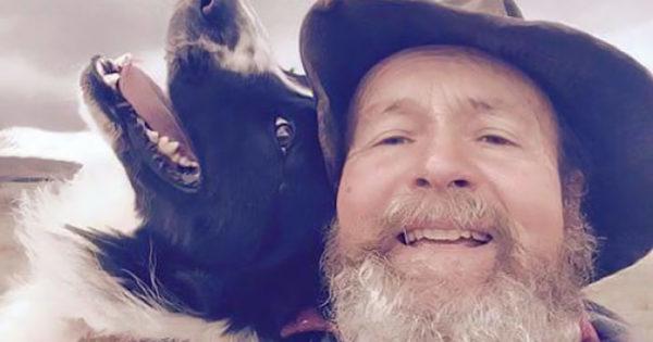 Πατέρας μαθαίνει να βγάζει selfie και γίνεται viral !